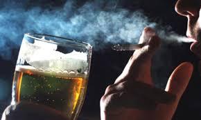 Resultado de imagem para Mantenha-se o mais longe possível de substâncias nocivas, como o cigarro E BEBIDAS ALCÓLICAS
