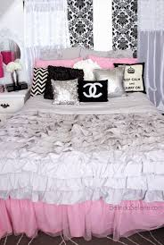 chanel chic and pink on pinterest bedroomcool black white bedroom design