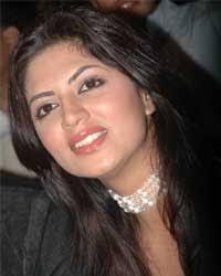 Kavita Kaushik Lips - Kavita-Kaushik-Red-Lips