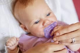 Как выбрать оптимальную <b>пустышку</b> для малыша | Philips