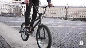 Как сделать банихоп на велосипеде (How to bunny hop <b>BMX</b> ...