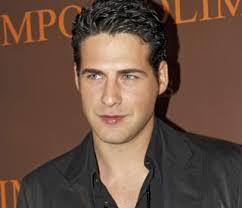 El que se alzara el año pasado como el hombre más guapo del mundo, Juan García, debutará como actor en la serie 'Los Serrano' el próximo martes 29 de enero. - juan-garcia