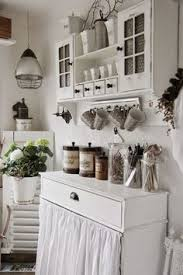 32 sweet shabby chic kitchen decor ideas to try charming shabby chic kitchen