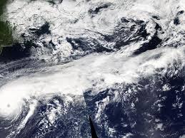 Hurricane Humberto shows off titanic 'tail' in NASA image - CNET