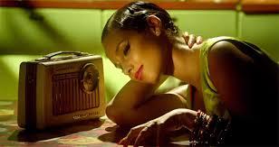 Resultado de imagem para Alicia Keys - Girl on Fire