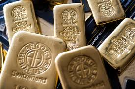 <b>Gold eyes</b> record high as safe-haven demand thrives