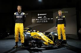 new car launches europeRenault drivers Jolyon Palmer and Nico Hulkenberg reveal new car