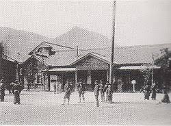「1988年 - JR九州の門司港駅舎が国の重要文化財に指定」の画像検索結果