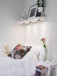 bedroomorganizationtips8 above bed lighting