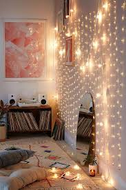 How to Light Your Room with Christmas Lights - College Fashion