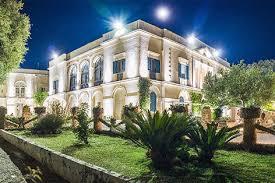 Illuminazione Ingresso Villa : Progetti u e esterni disano illuminazione spa