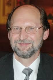 Mit der Übernahme der Leitung des <b>Pierre Auger</b> Observatoriums ist Prof. - 1124_kampert_gr-200x300