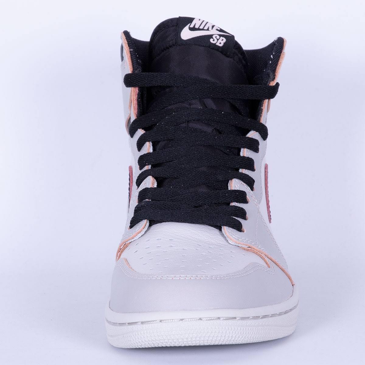 Air Jordan 1 High OG Defiant Light Bone