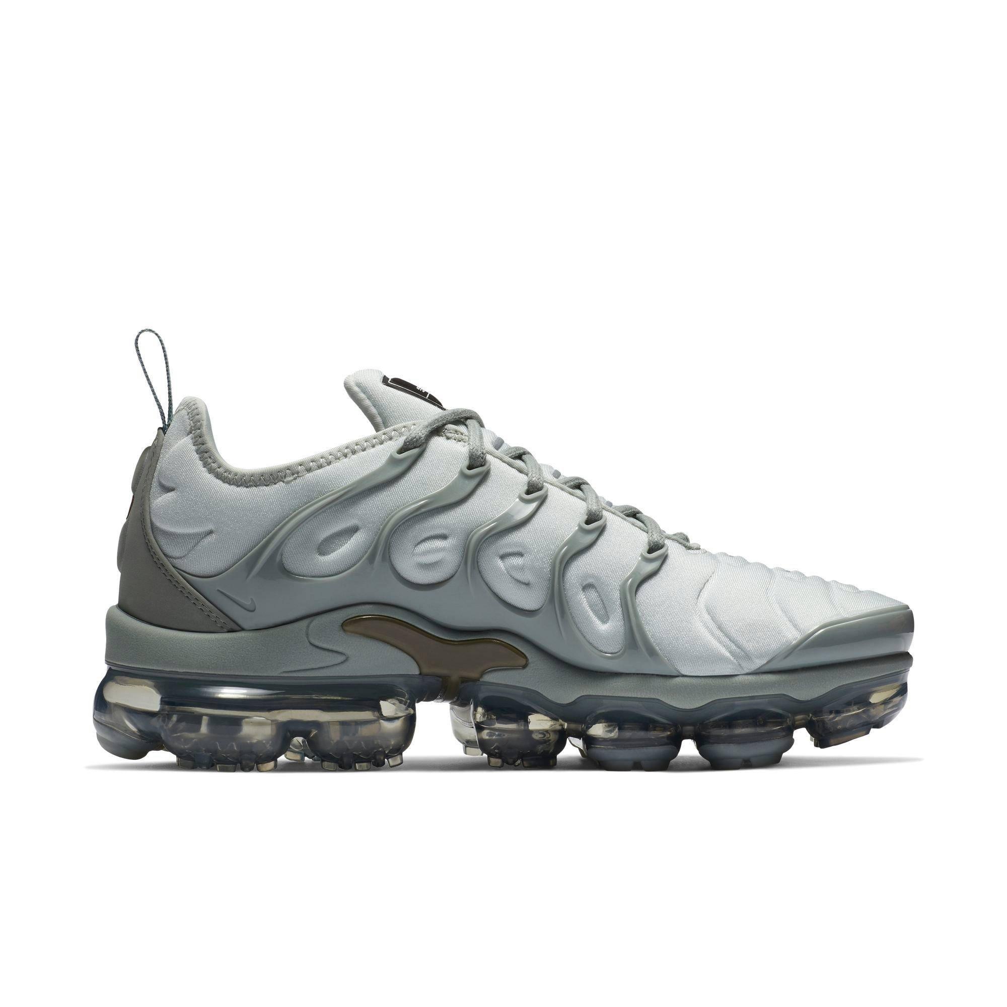 Medium Nike Plus Vapormax Silber Silver Reflektieren Ao4550006 8 Größe Damenschuhe Light Air Olive ZzZwFrqa