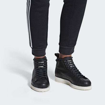 10 Adidas BootsDonna's Superstar Black Core WD2EHI9